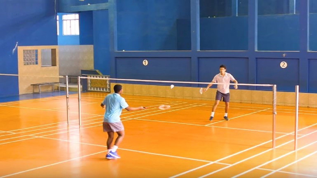 How to Choose a Badminton Racket for Intermediate